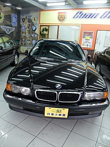 车辆名称:1999年bmw宝马 735il 大型轿跑车(加长) 说明: 颜色 黑色 .